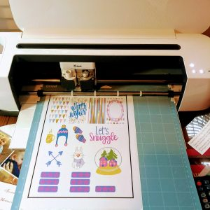 Free Sticker Printables: cutting with the Cricut.
